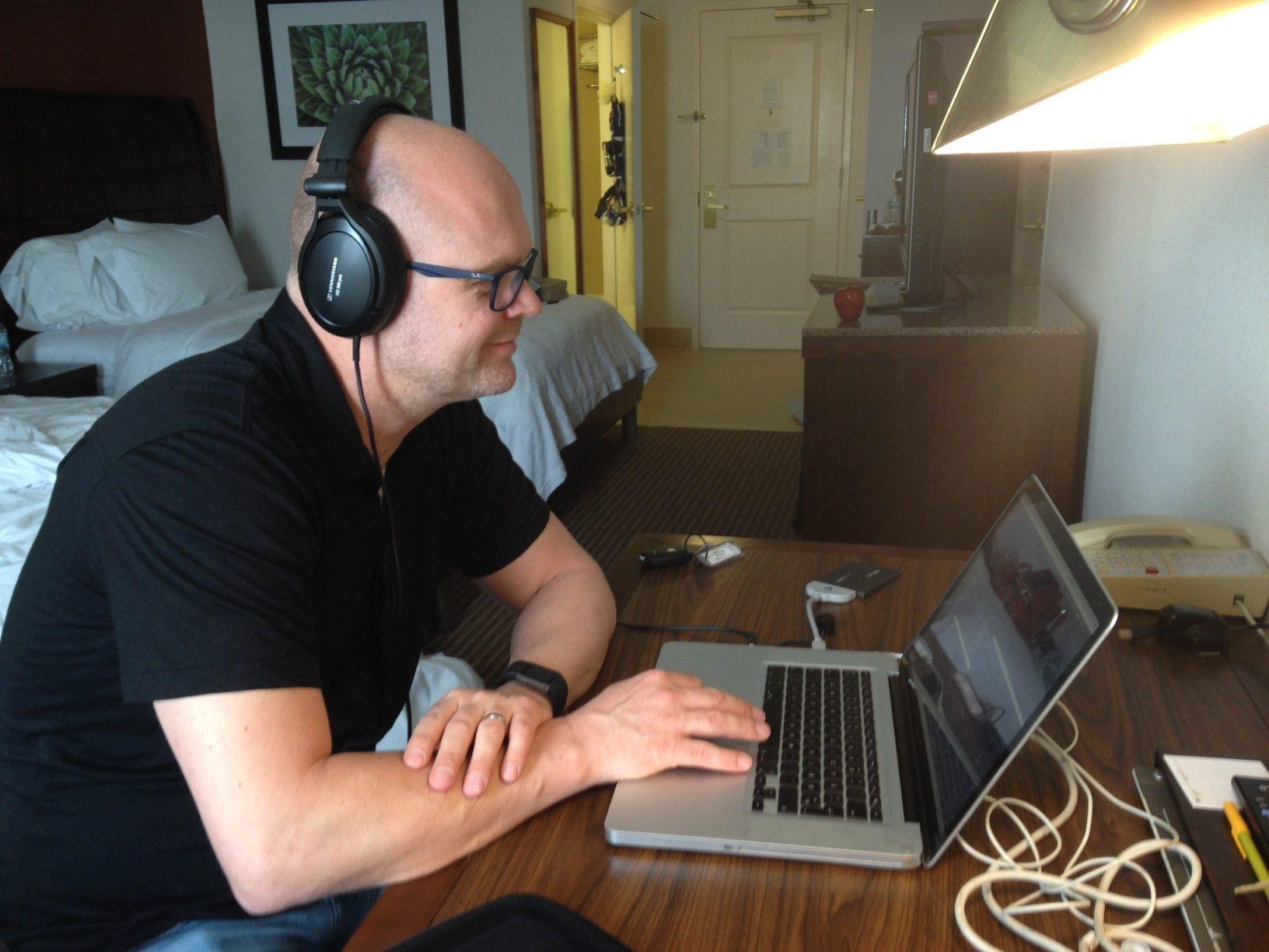 Morten Listening